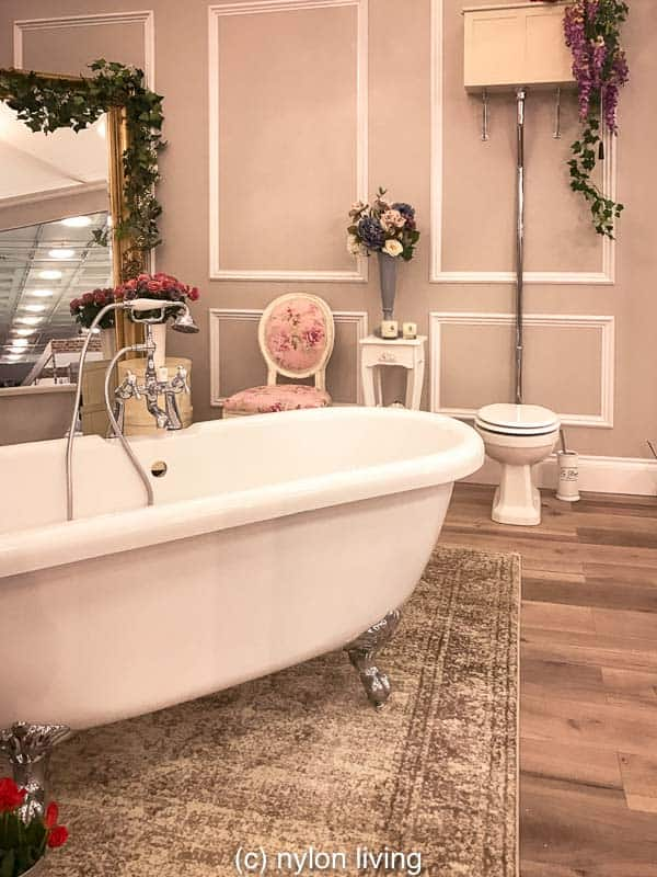 Decor Ideas To Steal From This Flower Filled Romantic Bathroom