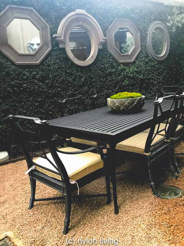 urban garden room | urban vertical garden | urban city garden | Restoration Hardware Outdoor Lighting | #RestorationHardware #OutdoorInsprations #urbanoasis #urbangarden #verticalgarden