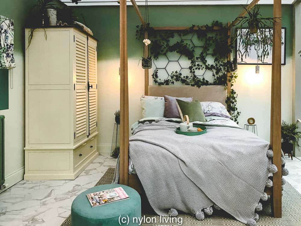 A Plant Lover S Bedroom And The 10 Best Plants To Keep In