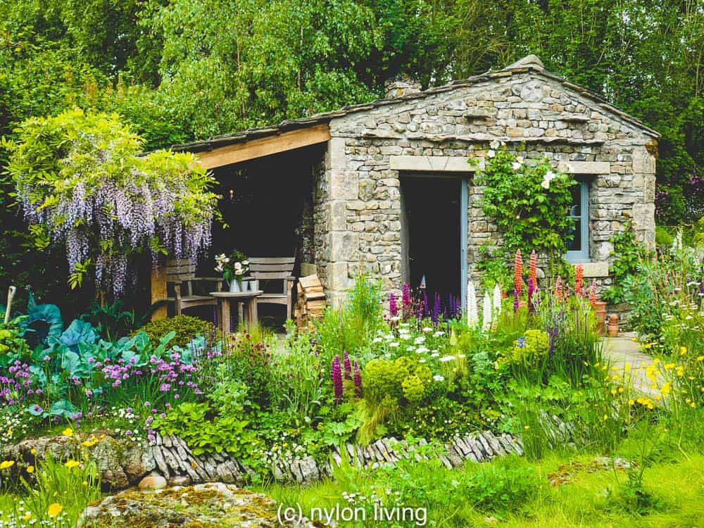 This cottage is supposed to represent a creamery making local cheeses like Wensleydale #RHSchelsea #gardeninspiration #gardendesign #ChelseaflowerShow #UKtravel #Yorkshire #England #NorthYorkshire #statelyhome #countryhouse #NationalTrust #UKdaysout #garden_styles #gardenideas #Englishgarden #Englishcountryside #EnglishCountryGarden #Englishcountryhouse #gardens