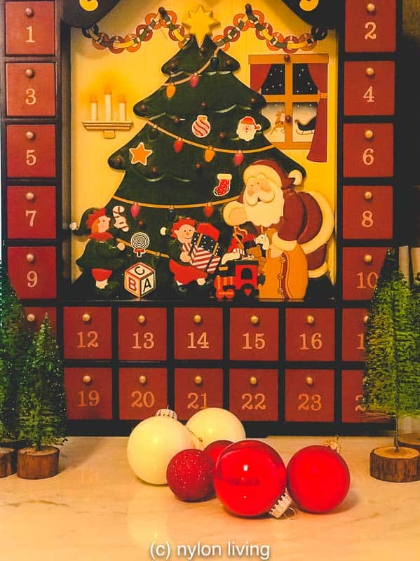 "An easy homemade advent calendar idea is to create a ""lucky dip"" - Each day you get to pick one item that comes out of a sack."