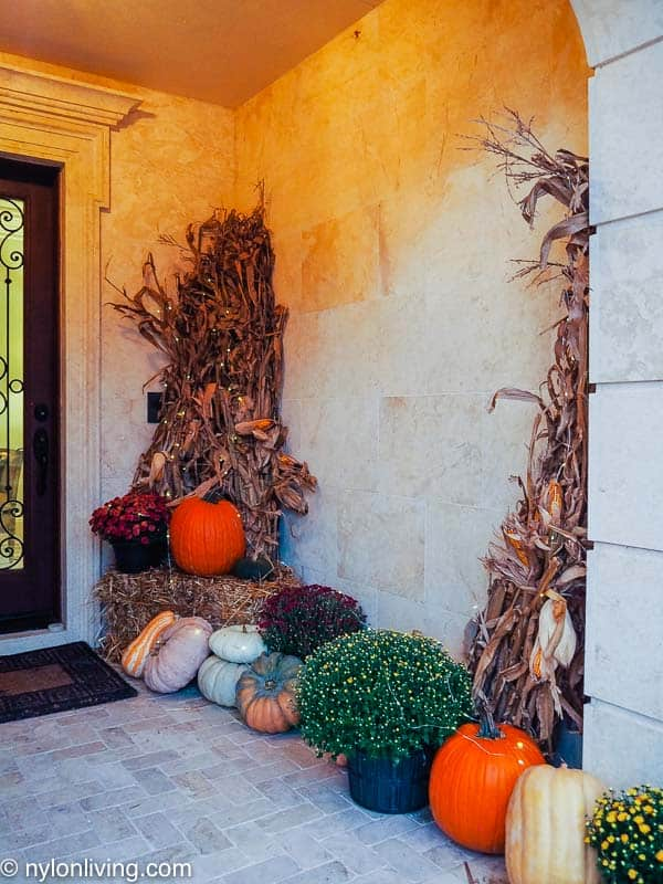 a fall/halloween themed entryway